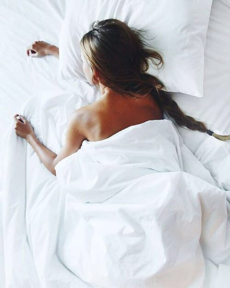 woman sleep sommeil