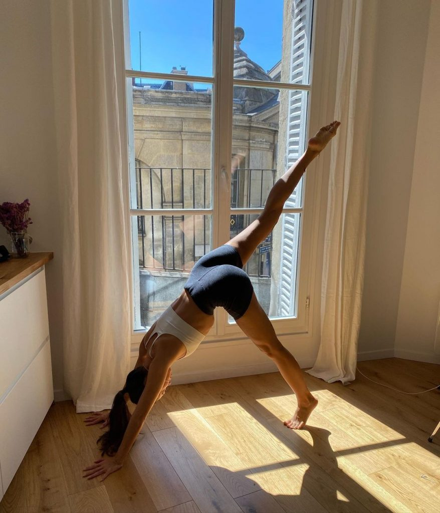 fille sport yoga